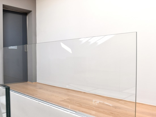 Manhattan sliding doors: minimal and contemporay lines