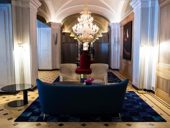 Luxury chandeliers in Rezzonico style at Raffles Europejski Warsaw