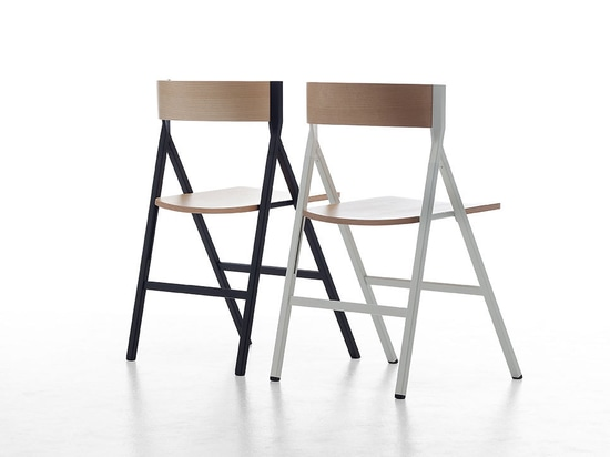 The folding chair designed by Steffen Kehrle is a combination of innovation, quality, strictness and reliability.