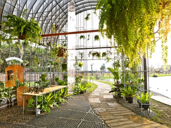 Greenhouse as a Home / BIAS Architects
