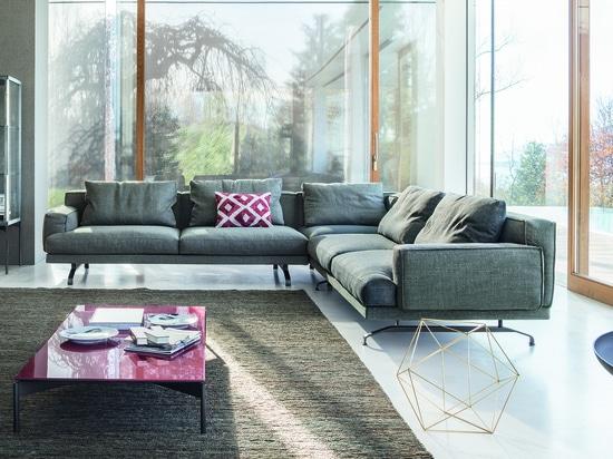 Mustique sofa