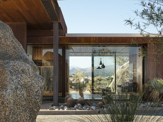 Desert Palisades guardhouse embodies modern Palm Springs living