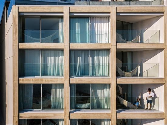 Bernardes Arquitetura renovates Rio's beachside Hotel Arpoador