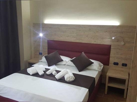 Mobilspazio for Hotel Stradivari, Milan