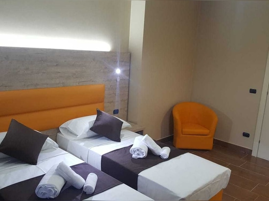 Mobilspazio for Hotel Stardivari, Milan