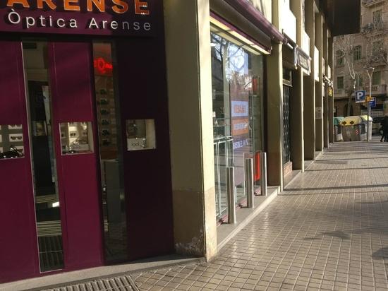 Stainless steel dissuasive bollards in Barcelona