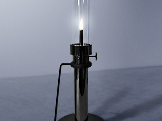 The fruit of a collaboration between Canada's oldest gas lamp manufacturers and Castor: a black chrome Oil Lamp.