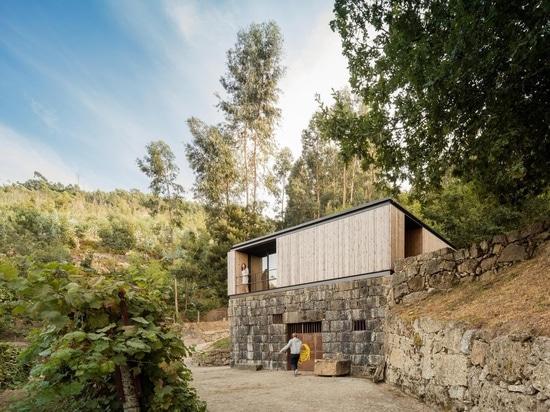 Pavilion House / Andreia Garcia Architectural Affairs + Diogo Aguiar Studio