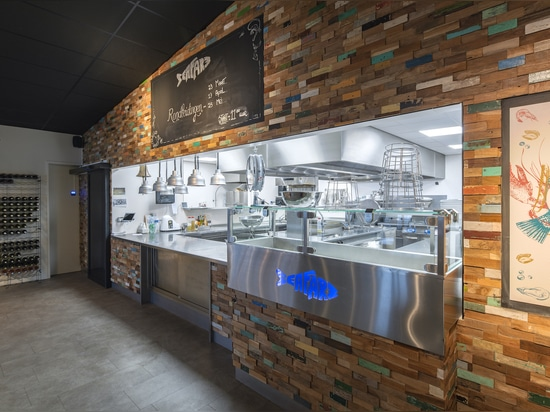 Fish Restaurant with design Palma from Teakwall.