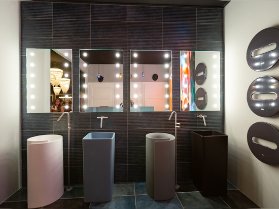 Bathroom lighted mirrors Unica By Cantoni