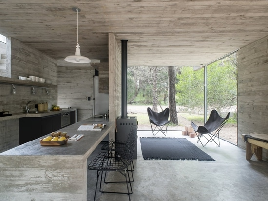 A Concrete Vacation House Keeps Life Simple in Coastal Argentina