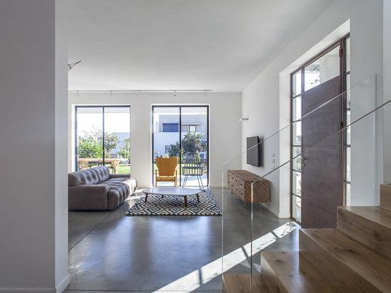 A New Kibbutz House in Israel by Henkin Shavit Studio