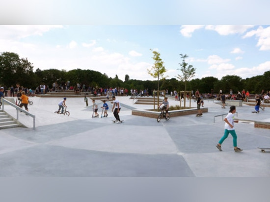 Architects arrange French skatepark around an irregular maroon bowl