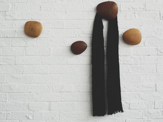 'heart of wood' wall hangers by individual design studio (wu she)