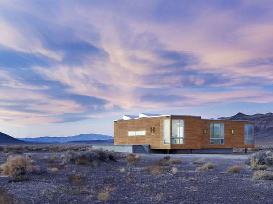 Rondolino Residene by nottoscale, Scotty's Junction, Nev. Located on an isolated stretch in the desert, this dwelling is positioned in such a way as to take full advantage of the surrounding views,...