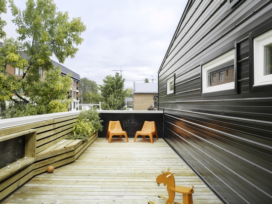 WINONA HOUSE IS ORGANIZED INTO INCREASING ZONES OF PRIVACY