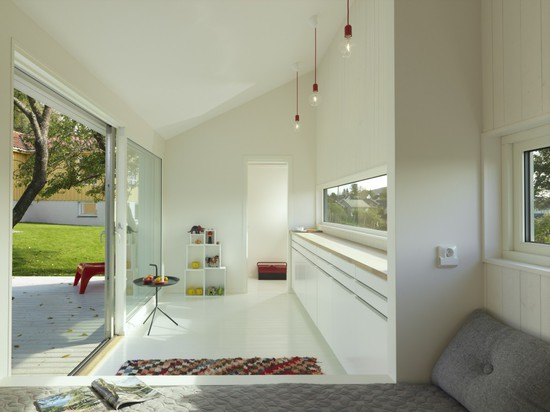"""SAUNDERS ARCHITECTURE DESIGNS A LITTLE """"SLICE"""" IN THE GARDEN"""