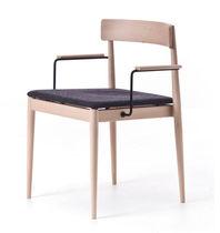 コンテンポラリーチェア / 木製 / 布張り / 肘掛け付