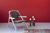 コンテンポラリーアームチェア / 木製 / コントラクト家具 / 屋外