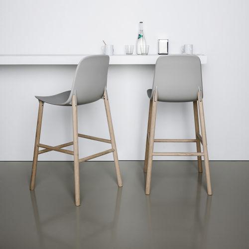 コンテンポラリーバ-チェア / 布張り / 布製 / 木製