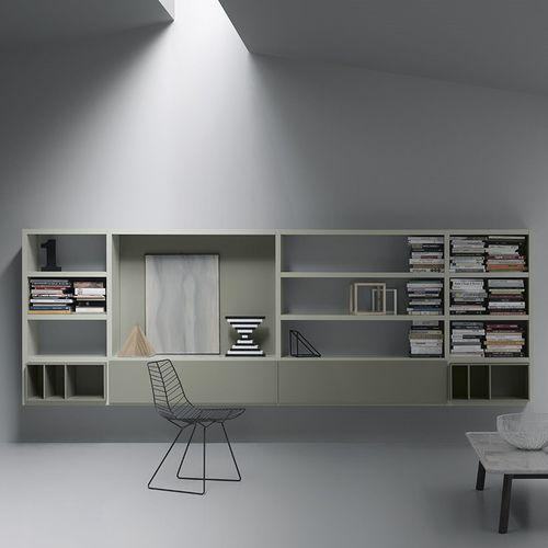 壁取り付け式本棚 / コンテンポラリー / 漆木材