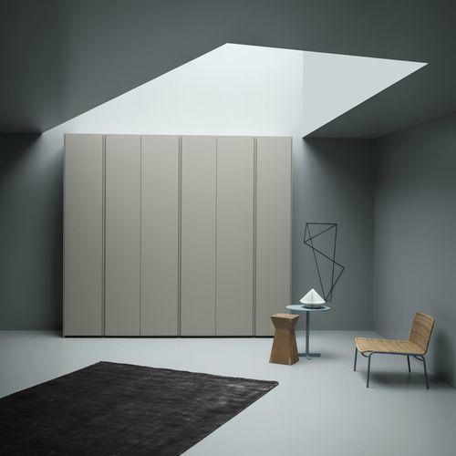 コンテンポラリー洋服だんす / 漆木材 / トネリコ材 / スイング式ドア
