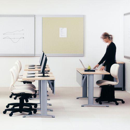 コンテンポラリー教室用テーブル / 金属製 / オーク材 / ラミネート状