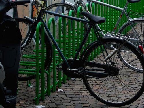 スチール製自転車ラック / 公共スペース用 / セキュリティ