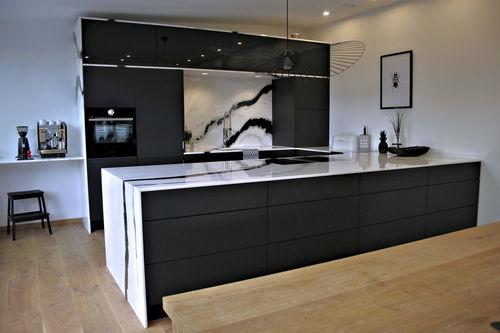 cozinha contemporânea / em mármore / em pedra natural / em inox