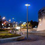 poste de luz urbano / contemporâneo / em alumínio / em policarbonato