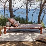 cama de casal / contemporânea / estofada / em alumínio lacado
