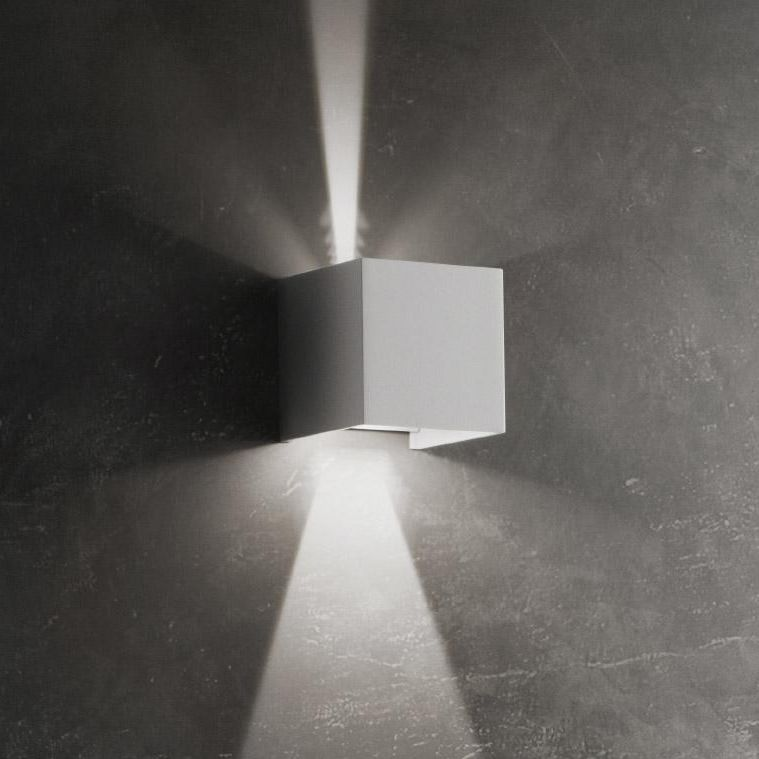 Contemporary Wall Light Cubetto Ai
