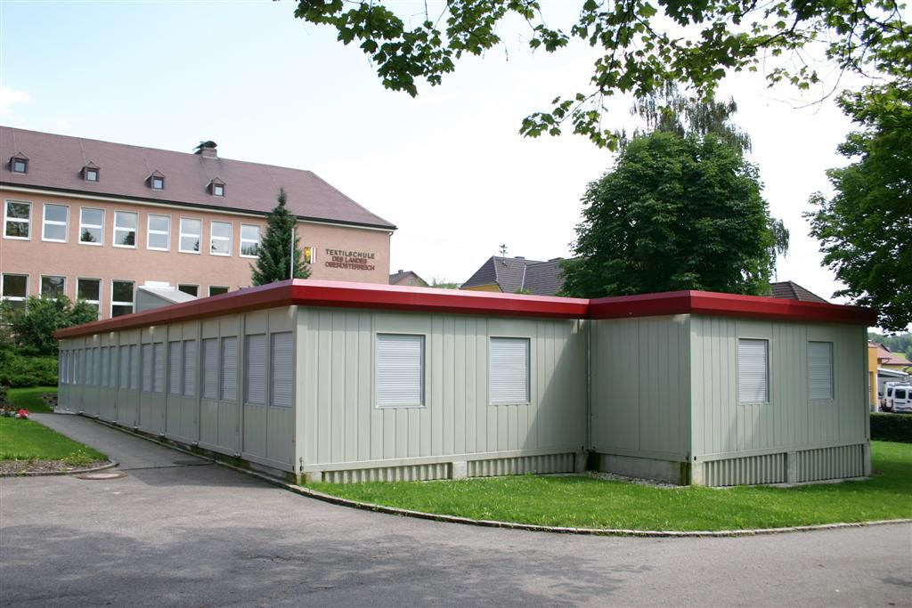 Container construction for commercial buildings / for