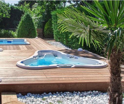 Jacuzzi Triangular.Built In Hot Tub Corner 2 Person Dupree Bay