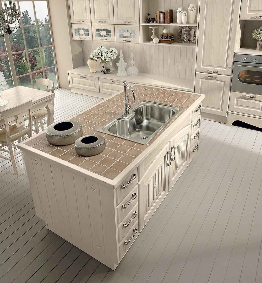 Traditional kitchen / wooden / island / with handles ...