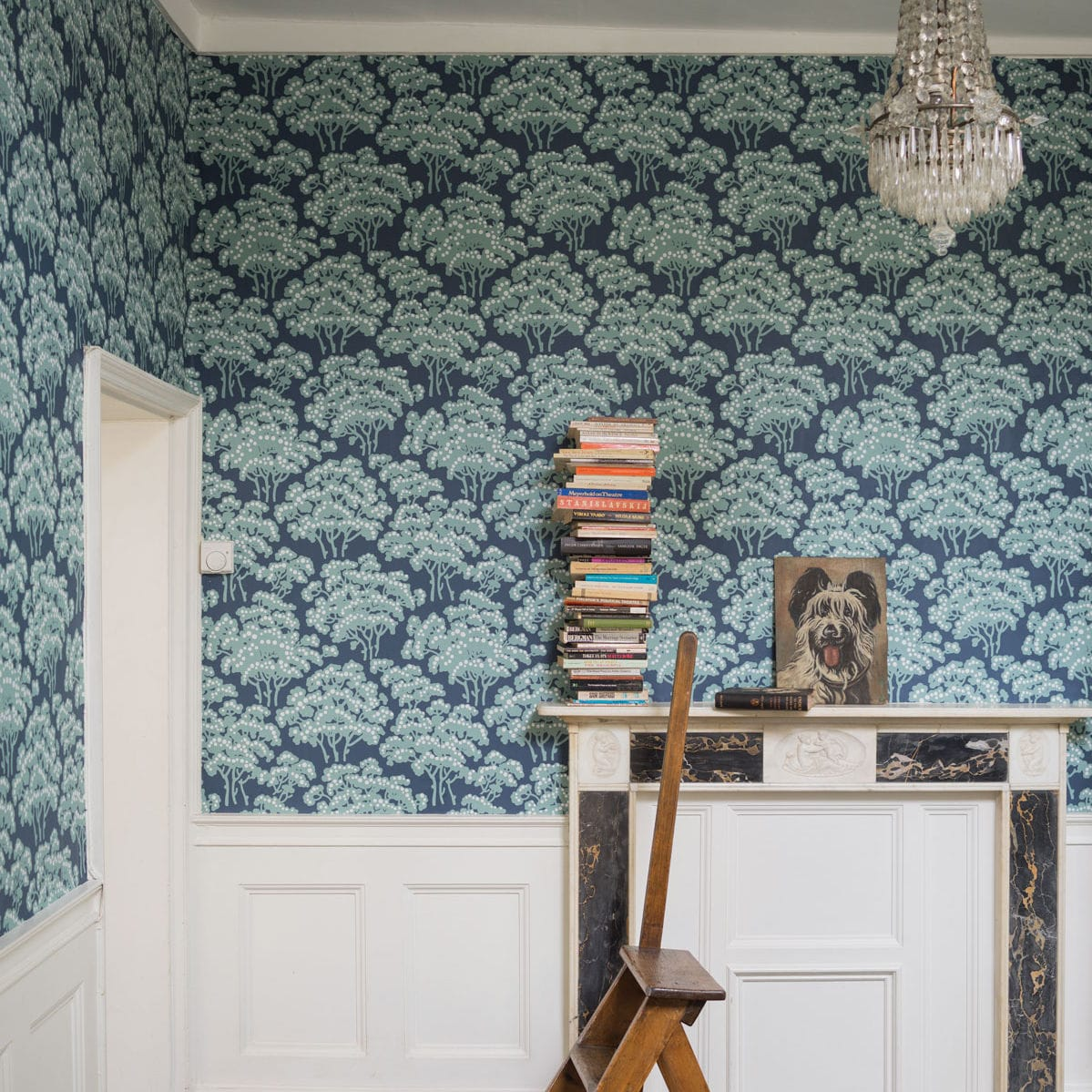 Traditional Wallpaper Floral Gray Blue Hornbeam Farrow