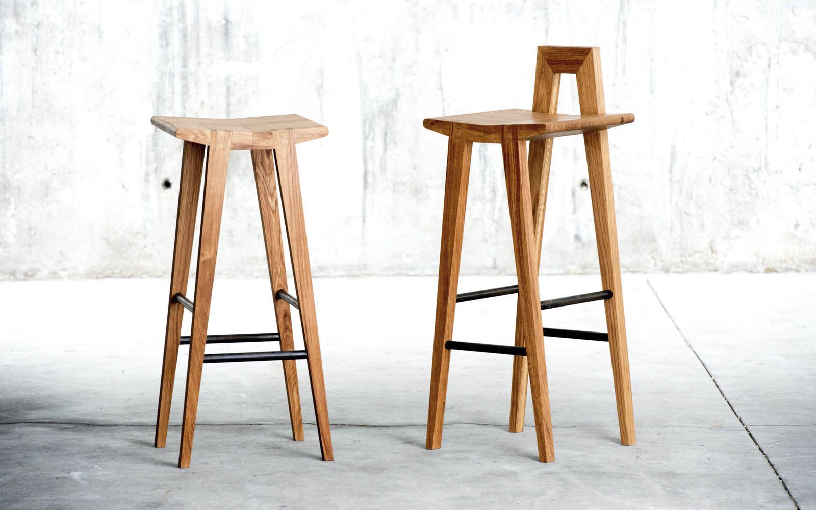 Picture of: Contemporary Bar Stool Grable Qowood Oak