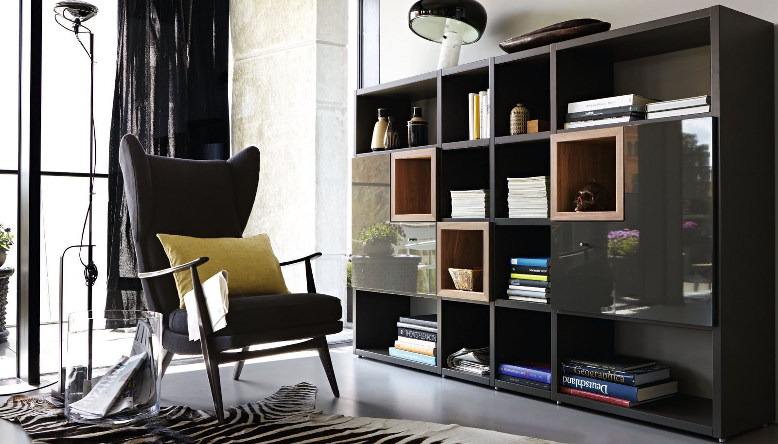 Hulsta Now 7 Tv Meubel.Contemporary Bookcase Lacquered Wood Walnut Glossy Lacquered