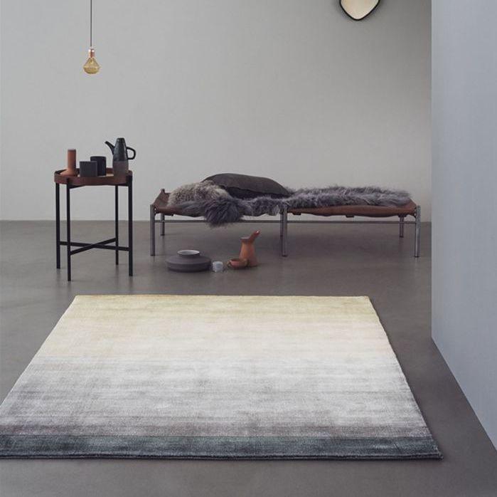 Contemporary rug - ESSENTIALS