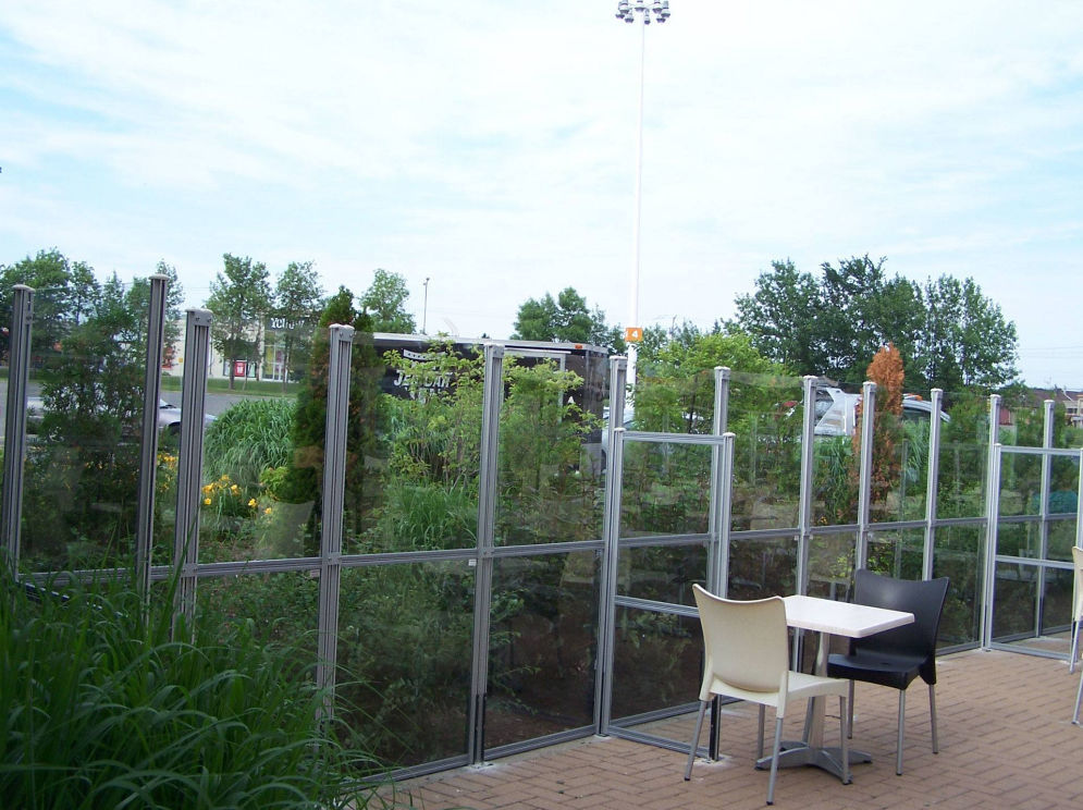 Contemporary Screen Aluminum Commercial Patio