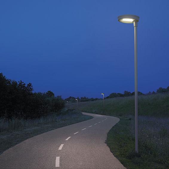 Urban Lamp Post Circled Multi Sg, Multi Light Lamp Post