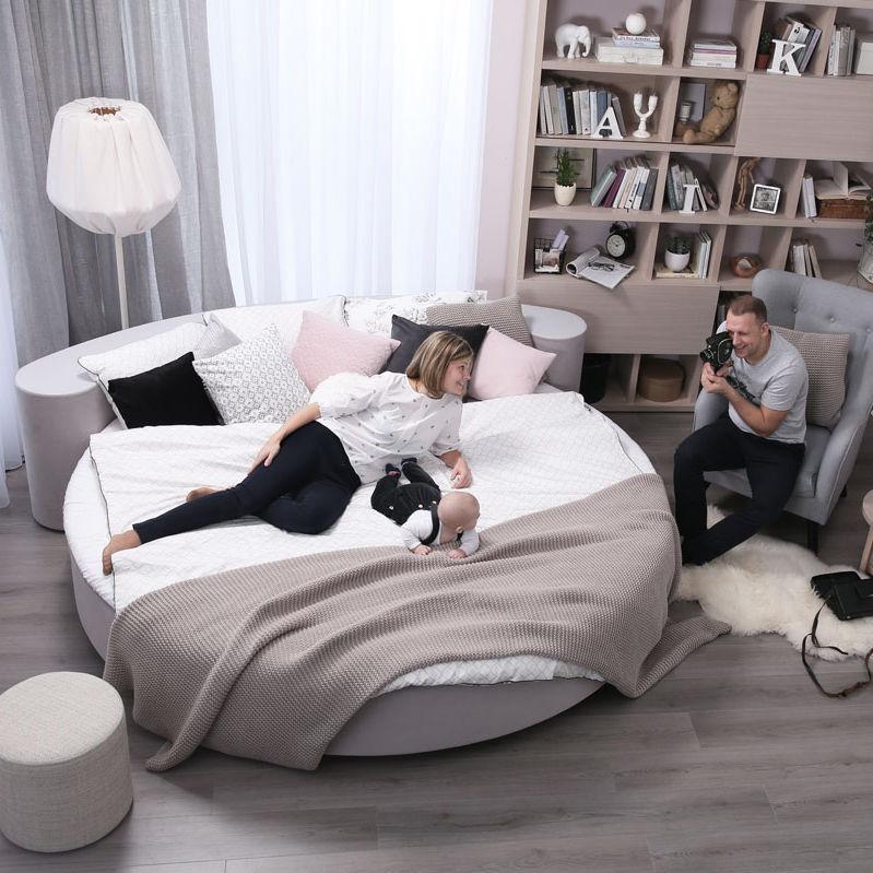 Round Bed Britney Marks M Sia