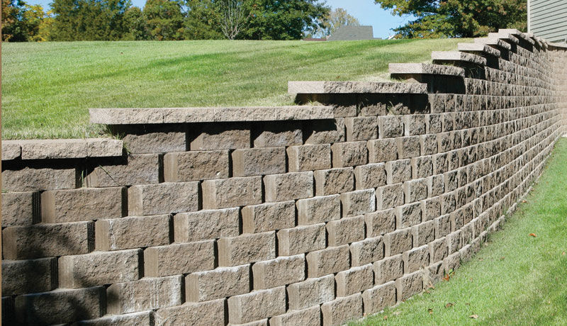 Solid concrete block / for retaining walls / stone look