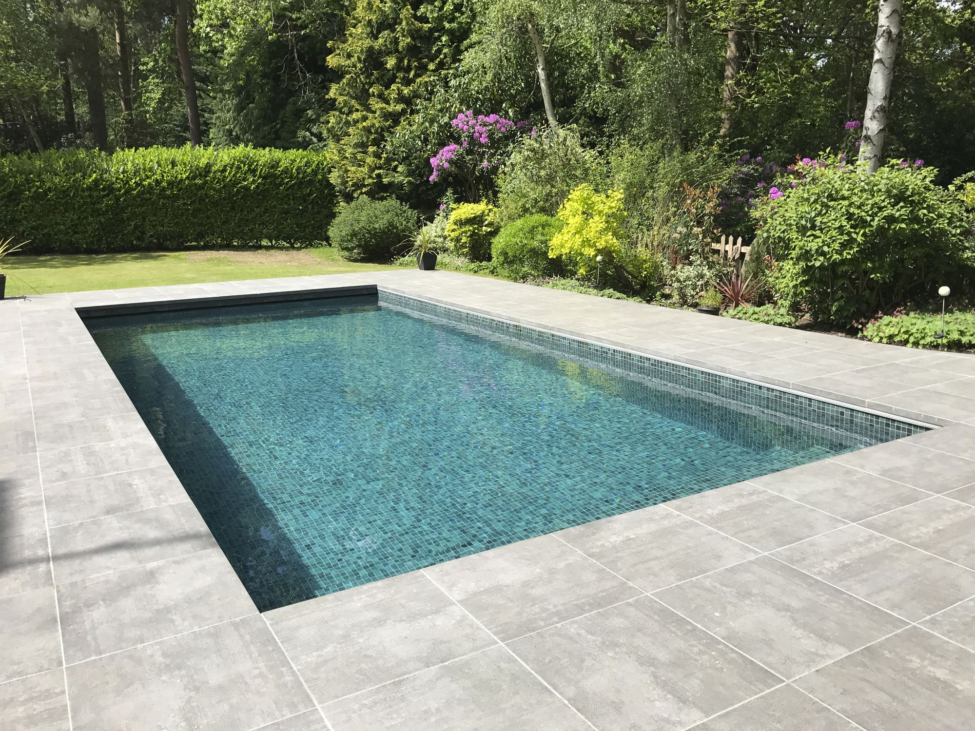 One-piece swimming pool / in-ground / glass / composite ...