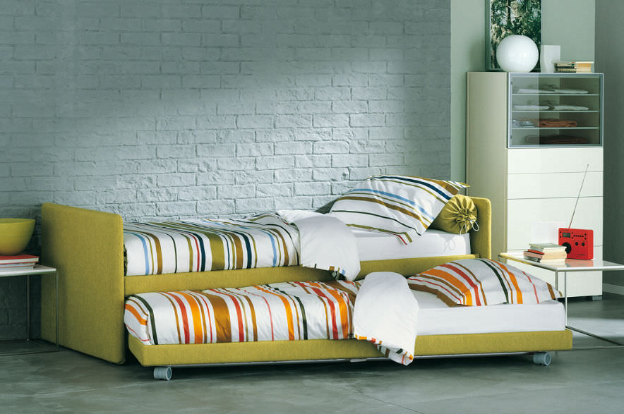 Fabulous Pull Out Bed Single Contemporary With Drawer Duetto Beutiful Home Inspiration Papxelindsey Bellcom