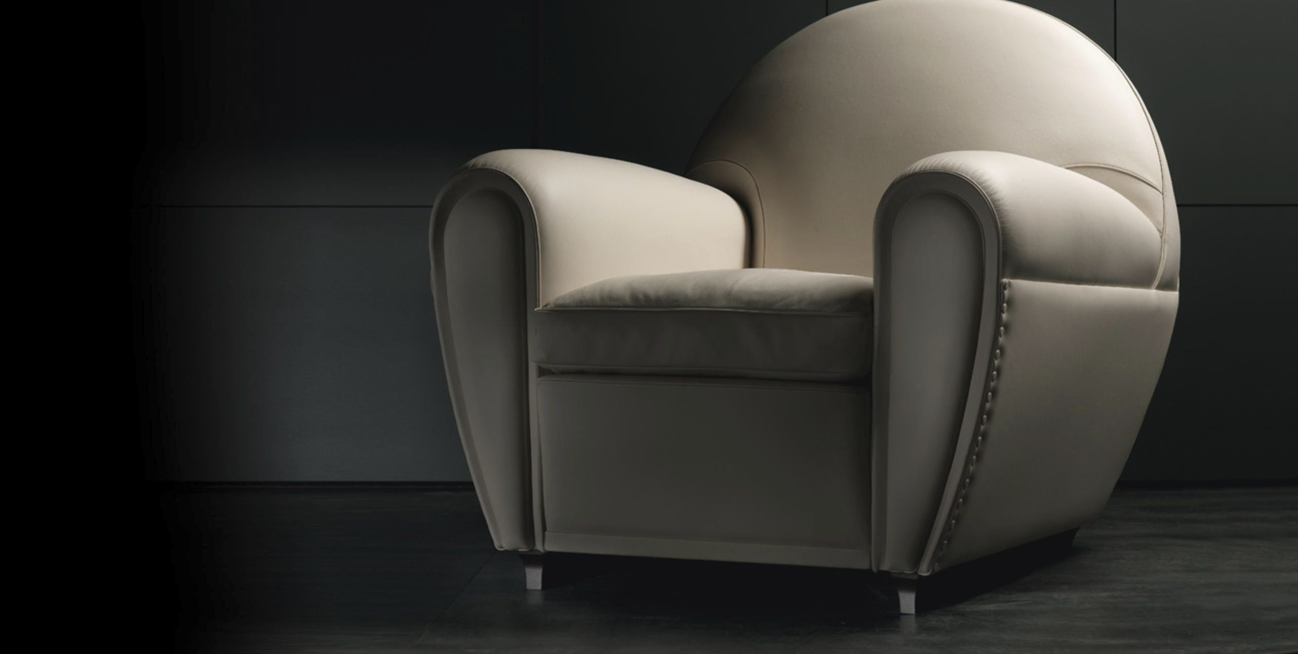 Poltrona Frau New Deal Prezzo.Traditional Armchair Leather Club Gray New Deal By
