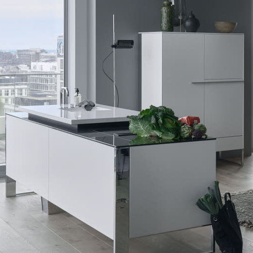 Contemporary kitchen - POGGENPOHL - lacquered wood / metal ...