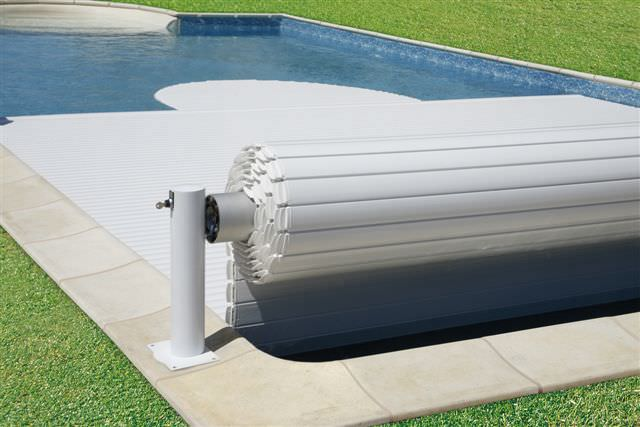 Automatic swimming pool cover / security / for above-ground ...