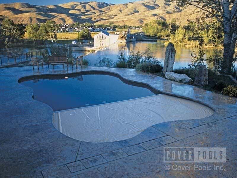 free form pool cover  Automatic swimming pool cover / security / for freeform ...