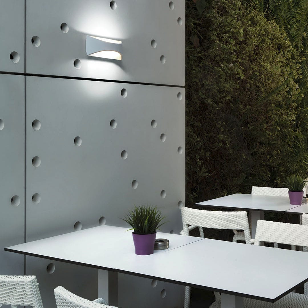 VENUS - Contemporary wall light / outdoor / aluminum / polycarbonate by  Leds-C4 | ArchiExpo